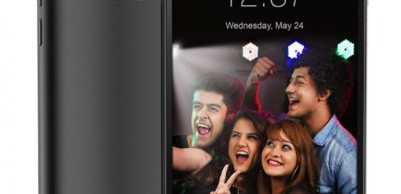 Intex Aqua Selfie With 5.5 inch HD Display and Front Flash Launched At 6,649 INR