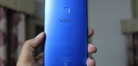 Vivo V7 Energetic Blue: Amazing Cameras & Immersive Audio